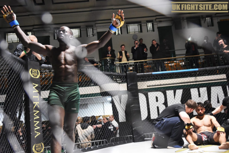 MTK MMA: Tayo Odunjo captures the MTK MMA Welterweight Title!